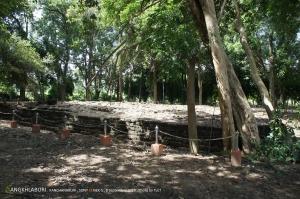 โบราณสถานพงตึกสร้างมาตั้งแต่สมัยทวารวดีพุทธศตวรรษที่ 11-12 คาดว่าทำมาเพื่อเป็นที่พักระหว่างทางของคนเดินทางจากอินเดียผ่านพม่ามาทางด่านเจดีย์สามองค์
