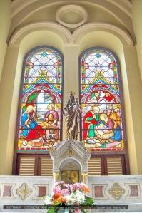 พูดถึงโบสถ์ก็นึกถึงกระจกสี