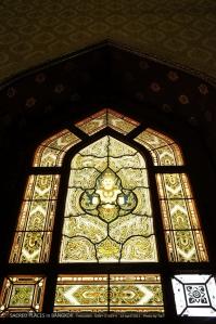 กระจกแบบโบสถ์คริสต์ตอนนั้นกำลัง In
