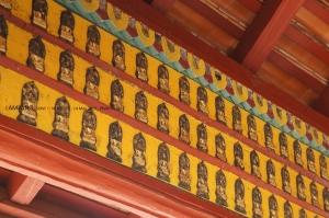 พระพุทธรูปที่ฝาผนัง