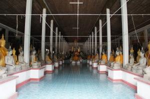 พระปิยะทัสสะสี (หลวงพ่อดำ) อายุกว่า 700 ปี และพระพุทธรูปหินทราย 279 องค์