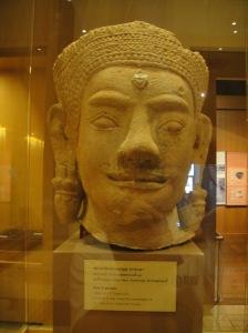 หัวของทวารบาล ศิลปะลพบุรี สมัยพุทธศตวรรษที่ 18
