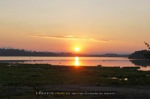 อาทิตย์ตกดินที่ทะเลสาบเชียงแสน